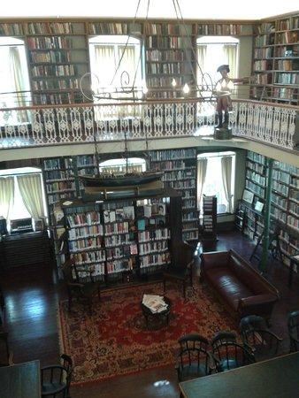 Morrin Centre: Biblioteca del colegio