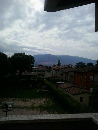 Turim Hotel: la vista su Assisi dal balcone