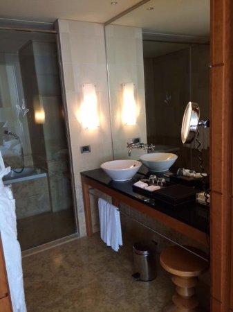Park Hyatt Hamburg: la salle de bains