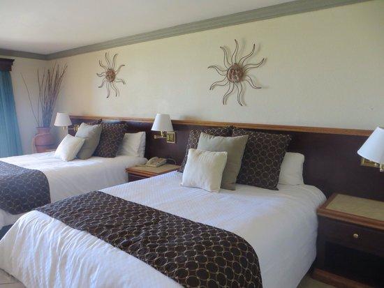 Estero Beach Hotel & Resort: Newly remodeled room