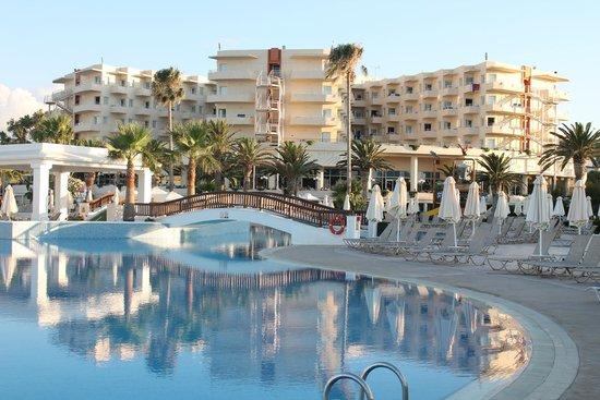 "Louis Creta Princess Beach Hotel: Komplex ohne seitl. ""Bungalows"""