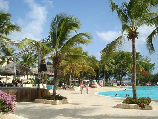 Dreams La Romana : Main Pool area