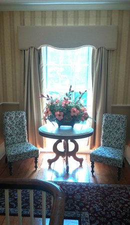 Concord's Colonial Inn: Sitting Space in the Historic Wing
