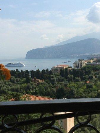 Grand Hotel Capodimonte: Breakfast view