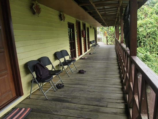 The Last Frontier Boutique Resort: verandah with rooms