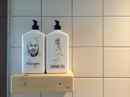 Volkshotel: Bathroom