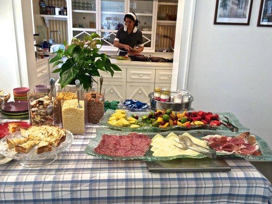 Palazzo Jannuzzi Relais: Breakfast buffet