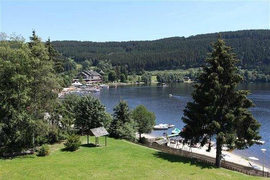 Seehotel Wiesler: Blick vom Zimmer über den See in Richtung Zentrum
