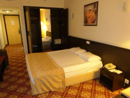 Antalya Adonis Hotel : Zimmer