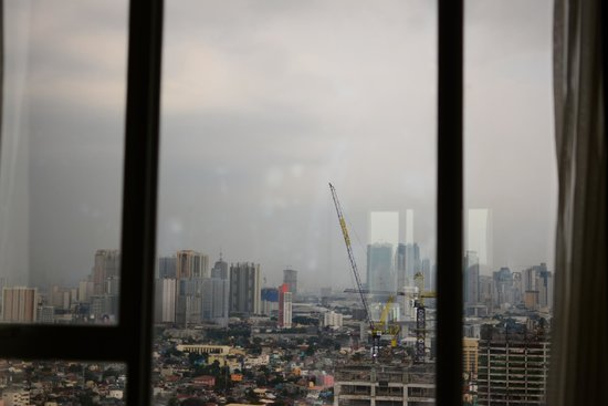F1 Hotel Manila : outside view from 21st floor