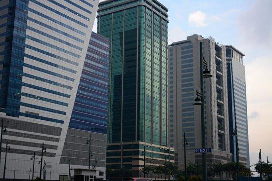 F1 Hotel Manila : Hotel's exterior