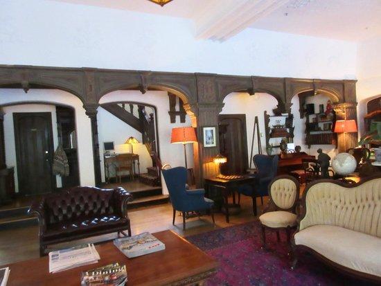 Benbow Inn Restaurant: Lobby