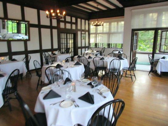 Benbow Inn Restaurant: Dining Room