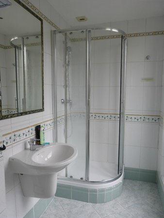 Grand Hotel des Gobelins : Salle de bains