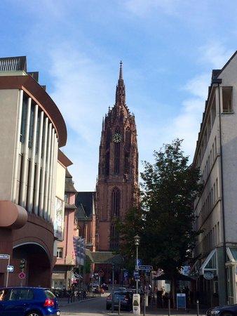 Dom St. Bartholomäus: 大聖堂