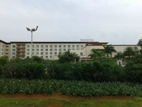 Novotel Hyderabad Airport: Front view