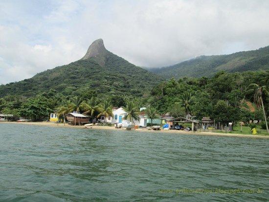 Pão de Açúcar Peak : Chegando na Praia do Cruzeiro com pico ao fundo
