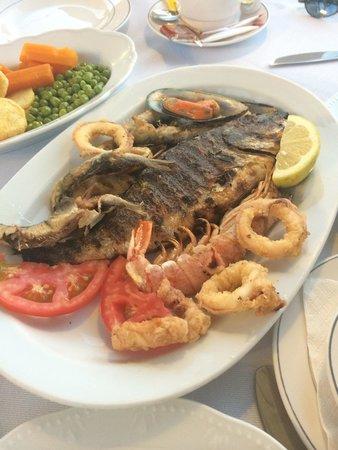 El Greco Pizzeria Restaurant : Рыбный микс на одного