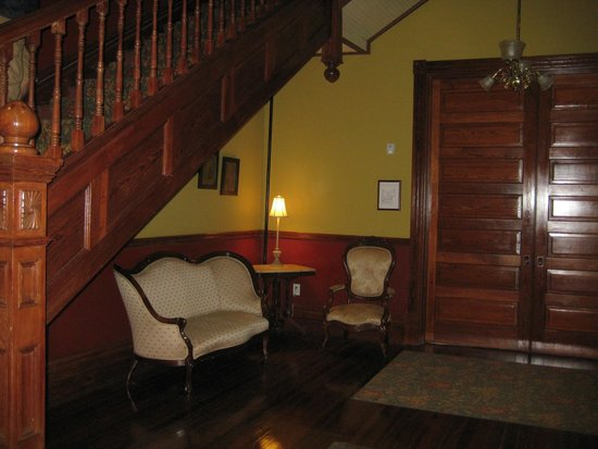The Fitzpatrick Hotel : One of the many sitting areas