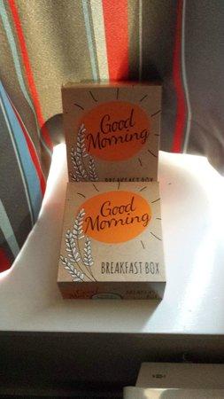 Travelodge London Battersea: international breakfast