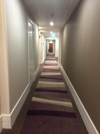 Hampton by Hilton London Gatwick Airport: Corridor
