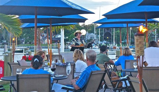 Porto Bello: Live Music Every Thursday from 6-8 and Sunday from 2-5