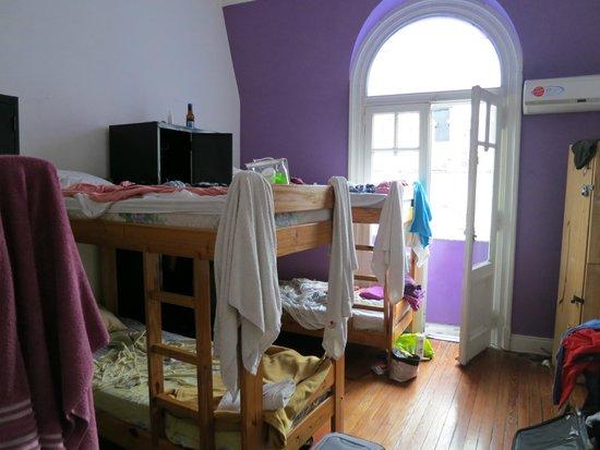 Hostel Estoril: my room... 6 bed