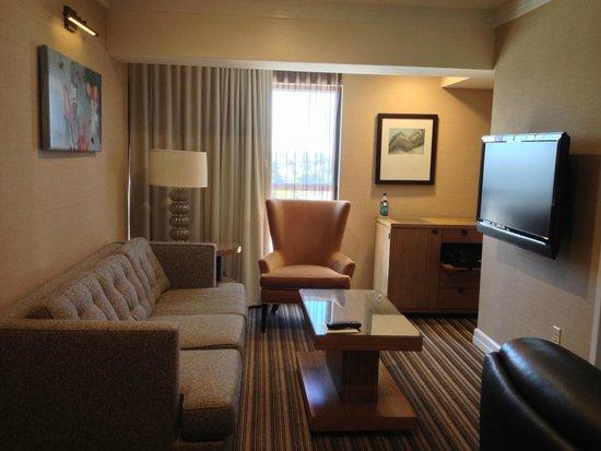 Hutton Hotel: Room