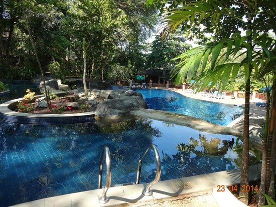 Khaolak Merlin Resort: Pool number one