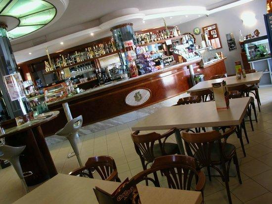 La Piazzetta: new look...