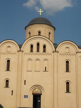 Madonna Pyrogoshcha Dormition Church