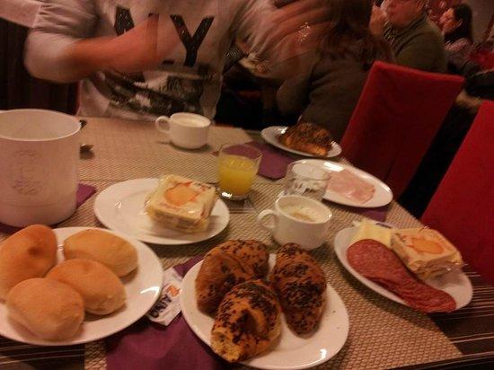 Quality Hotel Delfino Venezia Mestre: sala colazione
