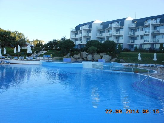 PrimaSol Sineva Beach: Pool area