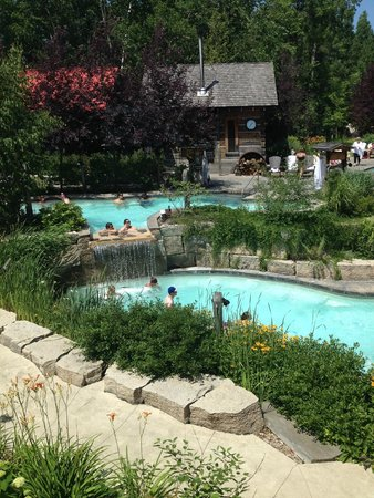 Scandinave Spa at Blue Mountain: The pools