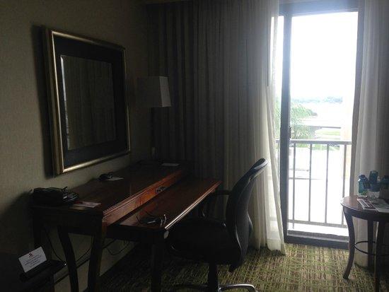 Tampa Airport Marriott: Work area