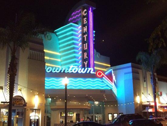 Wyndham Garden Ventura Pierpont Inn: Downtown Ventura