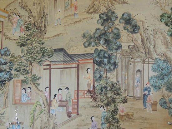 Avebury Manor: Handpainted Chinese wallpaper