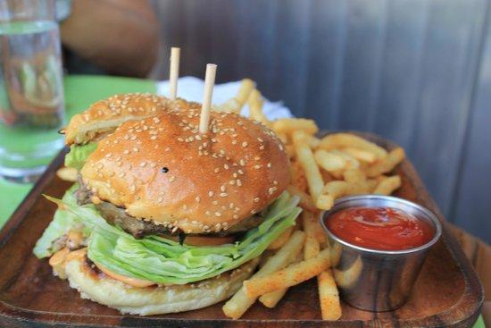 La Esquina : Hamburguesa con guacamole