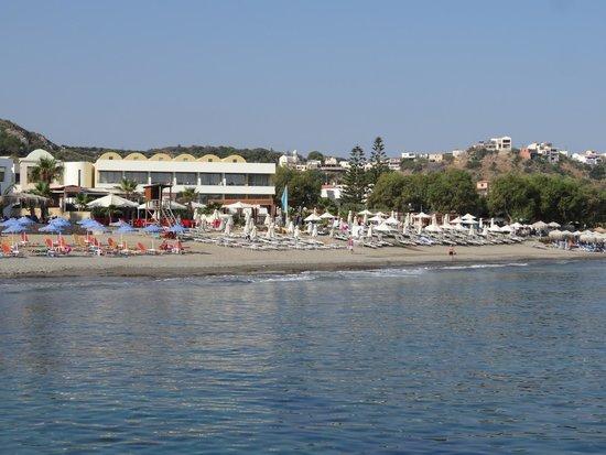 Thalassa Beach Resort: La plage