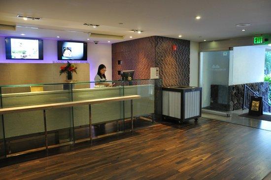 Waikiki Gateway Hotel: Reception