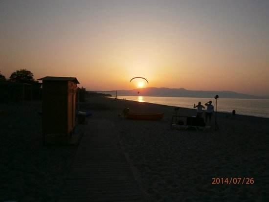 Family Life Creta Paradise by Atlantica: sunset on beach