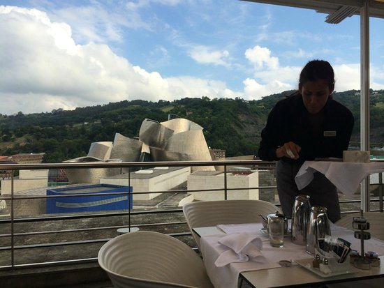 Gran Hotel Domine Bilbao: Breakfast on the roof top terrace. Drinks and dinner are great, too.