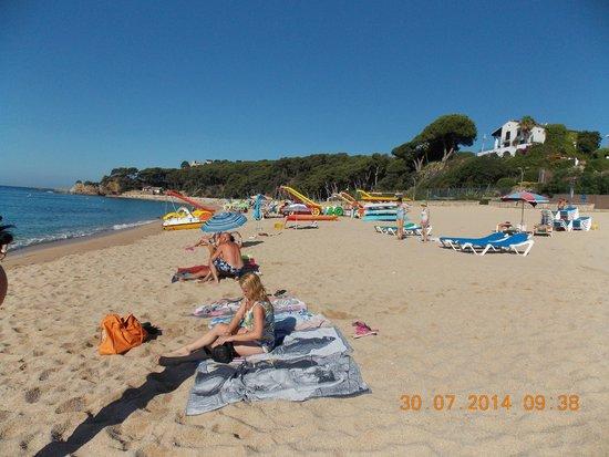 Fenals Beach : Platja de Fenals