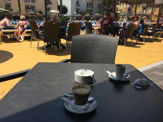 Servigroup Pueblo Benidorm: Café