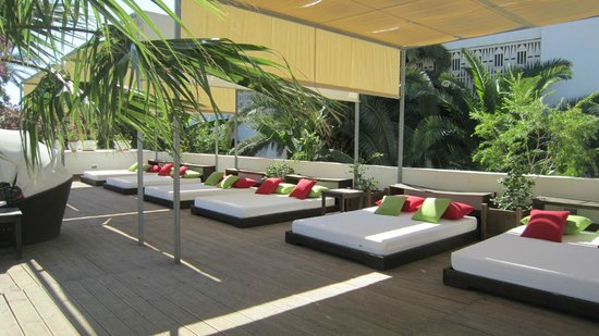 The Orangers Beach Resort & Bungalows: The Day Beds by the Pool