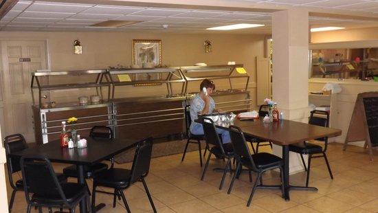 Parkway Inn: Dining Area