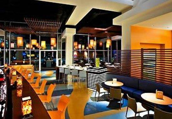 Citrus Fresh Grill: Citrus Bar and Lounge at Renaissance ClubSport