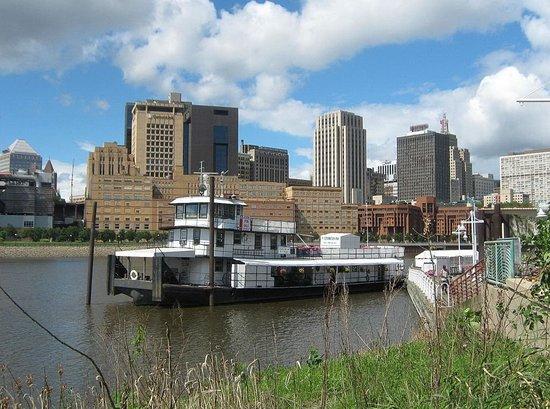 The Covington Inn on the Mississippi River