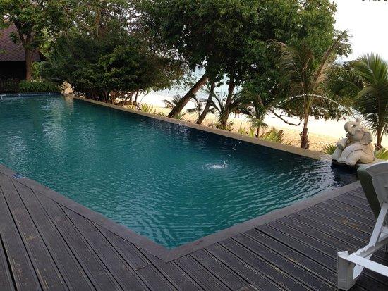 Holiday Inn Resort Phi Phi Island : piscina