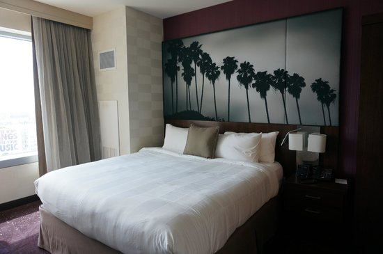 Residence Inn Los Angeles L.A. LIVE : Comfortable Bed